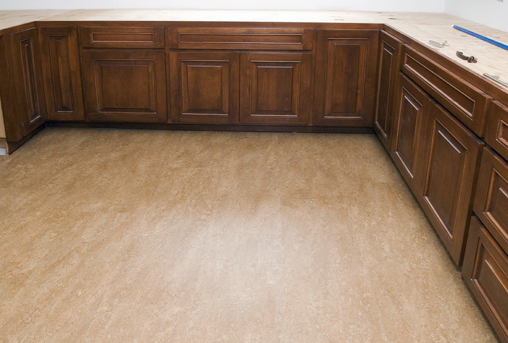Best linoleum parquet flooring in dubai for Linoleum wood flooring