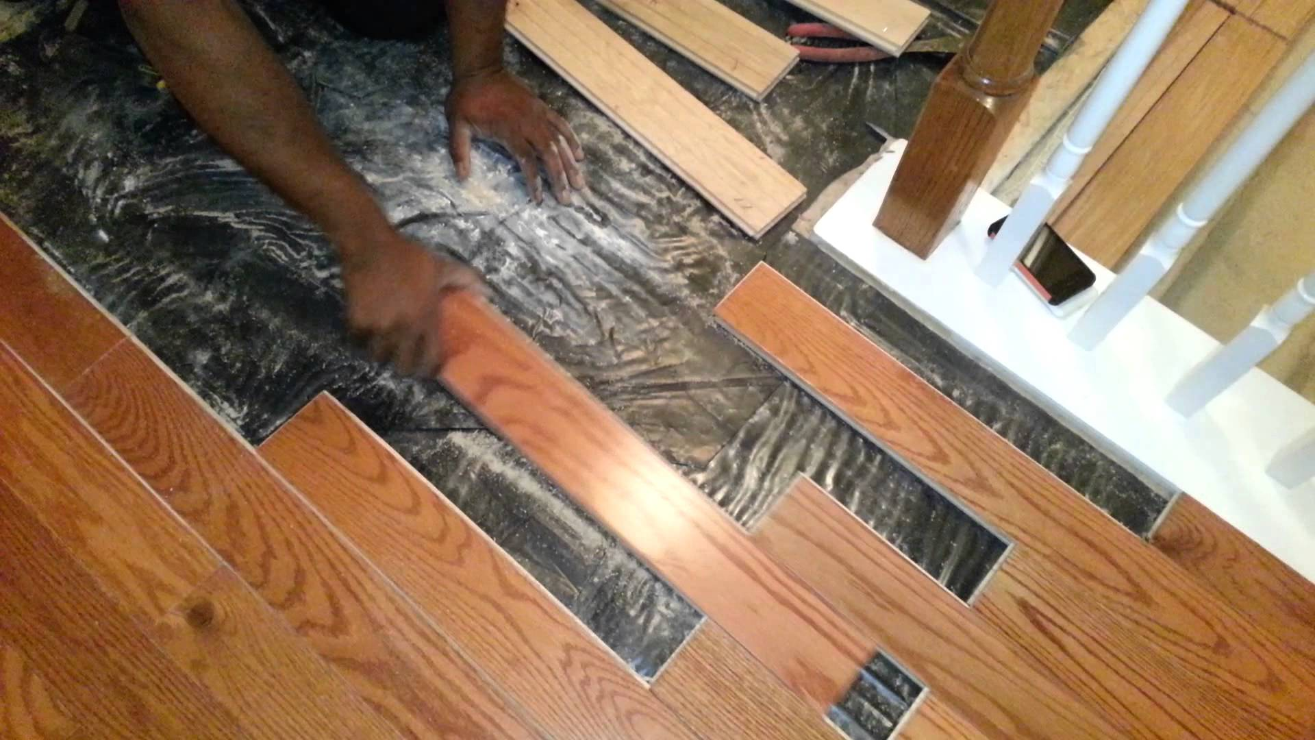 Why are waterproof laminated flooring the best among all for How to install wood flooring